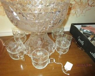 CRYSTAL PUNCHBOWL WITH CUPS