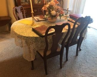 Thomasville dining table and 4 chairs