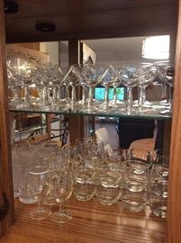 Lots of very nice bar wear glasses including wine glasses, water glasses, martini glasses and champagne flutes