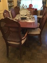 Dining table w/ 10 chairs