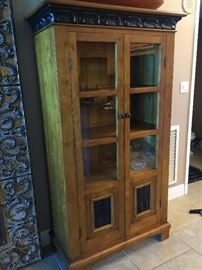 Bookshelves cabinet with metalworks