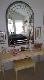 Henredon dressing table with matching bench.