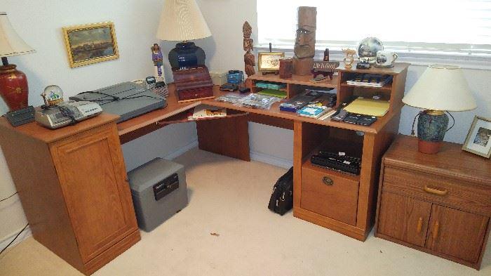 Very nice corner desk.