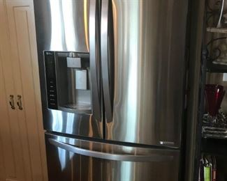 LG FRIDGE , LINEAR COMPRESSOR - FREEZER ON THE BOTTOM. ONLY 3 YEARS OLD