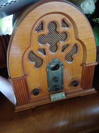 Antique reproduction radio