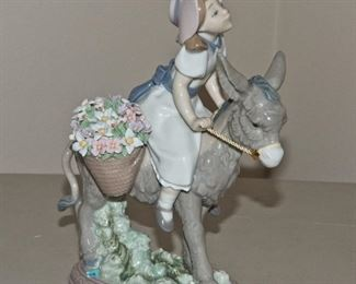 Lladro Flower Girl