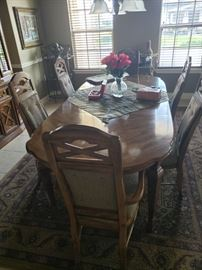 Classy Dining table and 6 chairs