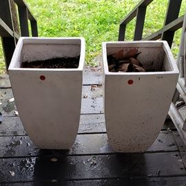white mid-size height flower pots