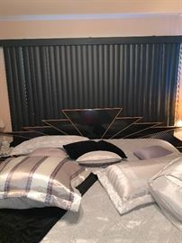 Fabulous Black Lacquer w/wood trim Made in Italy Bed