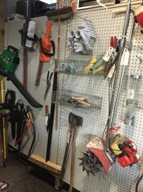 Large 24 By 40 Pole Barn Sale Tools Starts On 5