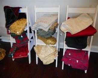 Lovely Table Linens, Waterford , Lenox, 60x84. Display Ladders NFS