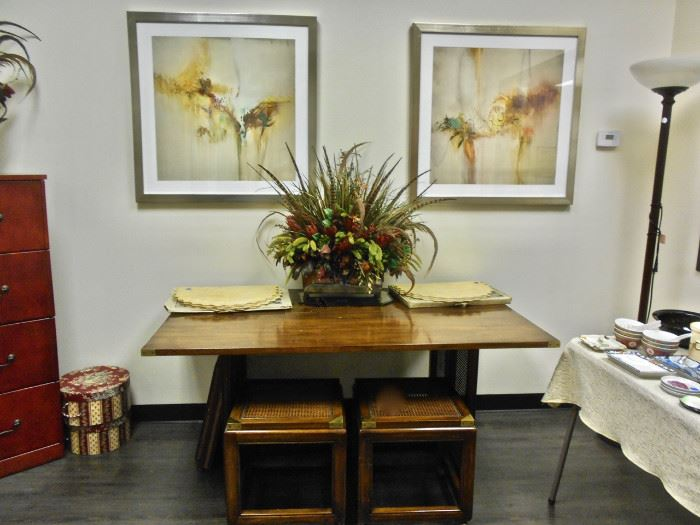 Drexel-Heritage Drop Leaf Table, Art