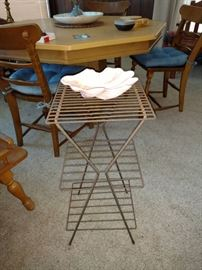 Wire telephone stand
