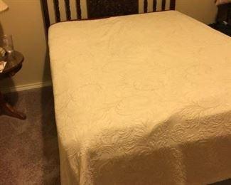 Barley Twist Bed