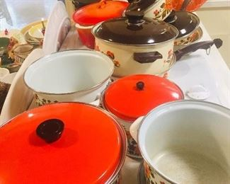 Fabulous vintage cookware-minty
