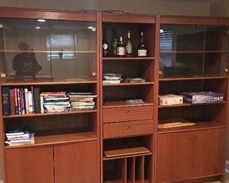 """3 pc bookcase great condition  larger side cabinets are 35""""  middle pc is 18""""   23""""depth"""