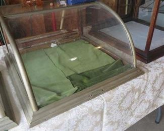 Curved Glass Counter Top Show Case as found condition