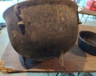 Cast Iron Cook Pot