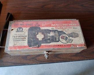 Thomas & Betts Hydraulic Crimper