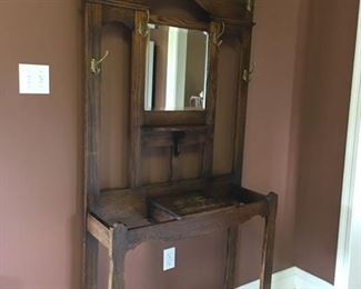Nice mint condition hall tree with beveled mirror