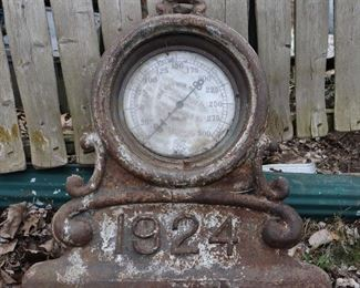 Large Cast Iron gauge dated 1924