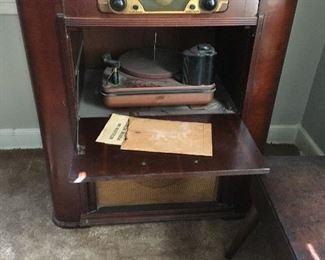 Zenith radio record player