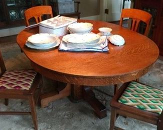Craftsman dining table and 4 chairs