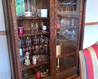 Vintage cabinet w/glass doors and everything inside (more pictures May28th)