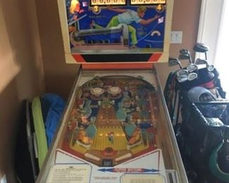 Pinball machine, located at second home in Windermere.  Only serious inquiries please.  Bids were terminated due to pulling out offers, open for sale again.  Firm price is set at $1,000.