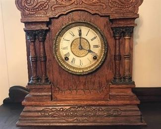 Oak mantel clock