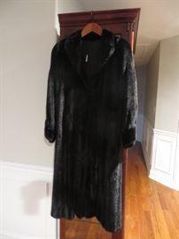 BLACKGAMA - female pelt mink coat in beautiful condition!
