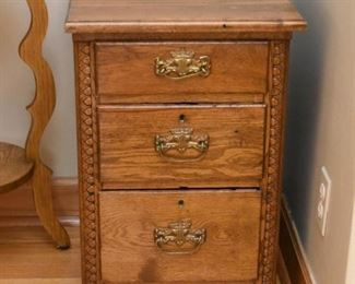 Antique Oak Nightstand / Chest of Drawers