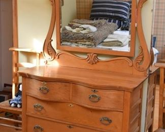 Antique Oak Chest of Drawers with Mirror (Serpentine Top Drawers)