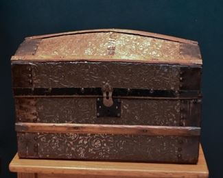 Small Steamer Trunk / Chest