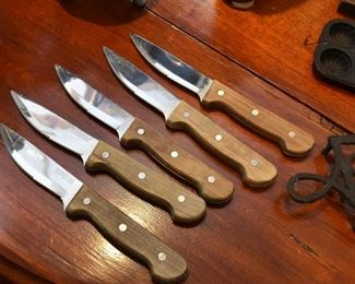 Steak Knives / Cutlery