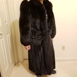 Beautiful mink coat with fox sleeves and collar