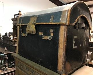 Early travel trunk