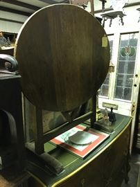 French oval wine table