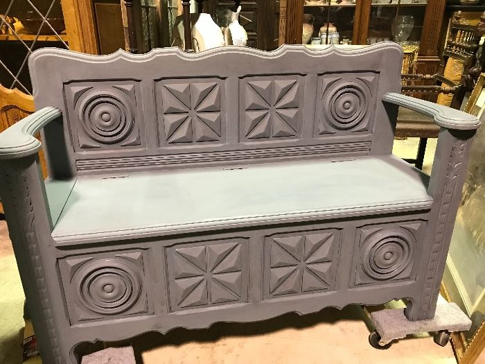 Painted French hall bench