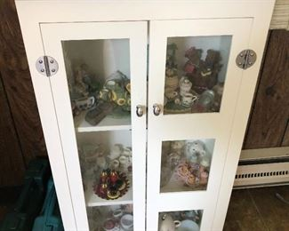 Small cabinet good shape