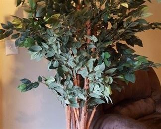 Tons of faux house plants and trees to brighten any decor!