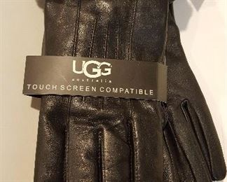 Women's leather UGG gloves (new with tags)