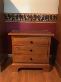 Haverty's Night Stand There Are 2 Of These