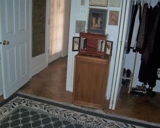 LOTS OF NICE CLEAN FURNITURE IN GOOD CONDITION