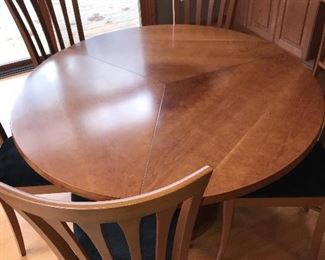 ROUND DINING TABLE WITH 5 CHAIRS