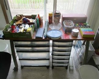 Household and kitchen items