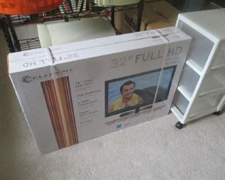 Brand new HD 32in television