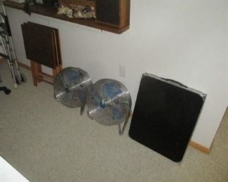 Fans and folding table