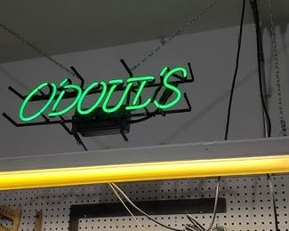 O'doul's neon sign.
