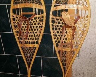 Snowshoes in excellent condition